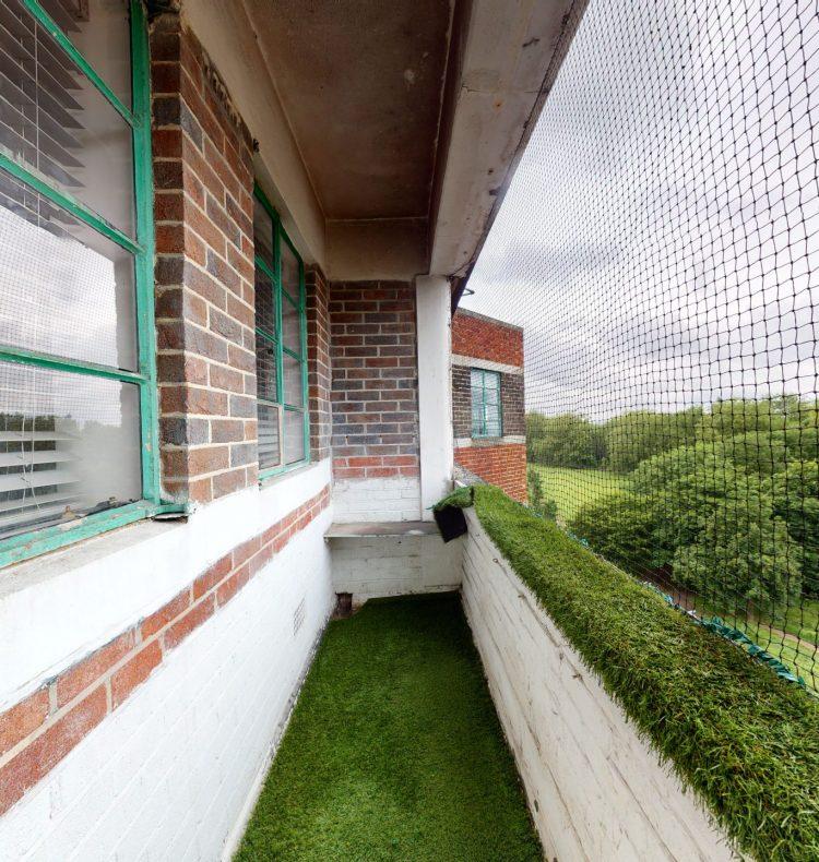 118-Westbury-Court-Nightingale-Lane-SW4-9AA-BALCONY-1