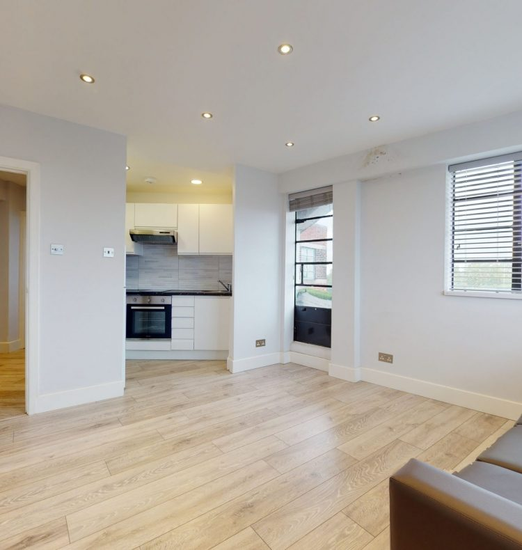 118-Westbury-Court-Nightingale-Lane-SW4-9AA-LIVING-ROOM-2