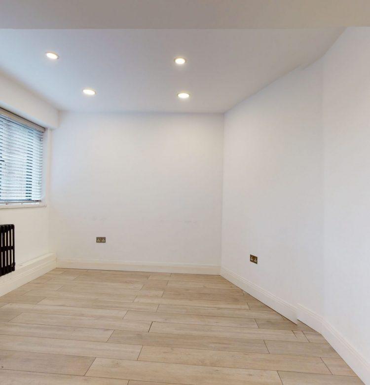 20-Westbury-Court-Nightingale-Lane-SW4-9AA-LIVING-ROOM-4