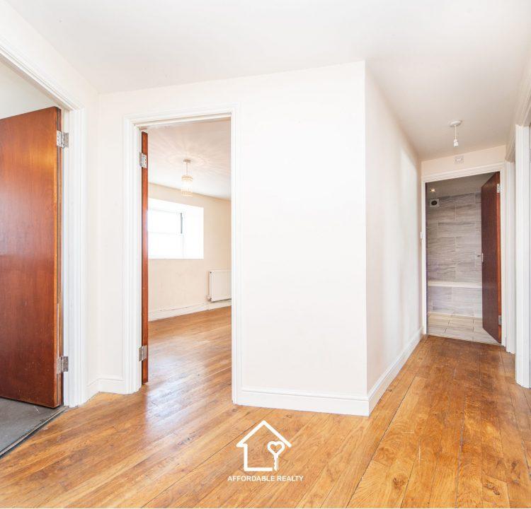 3 - Hallway (2)