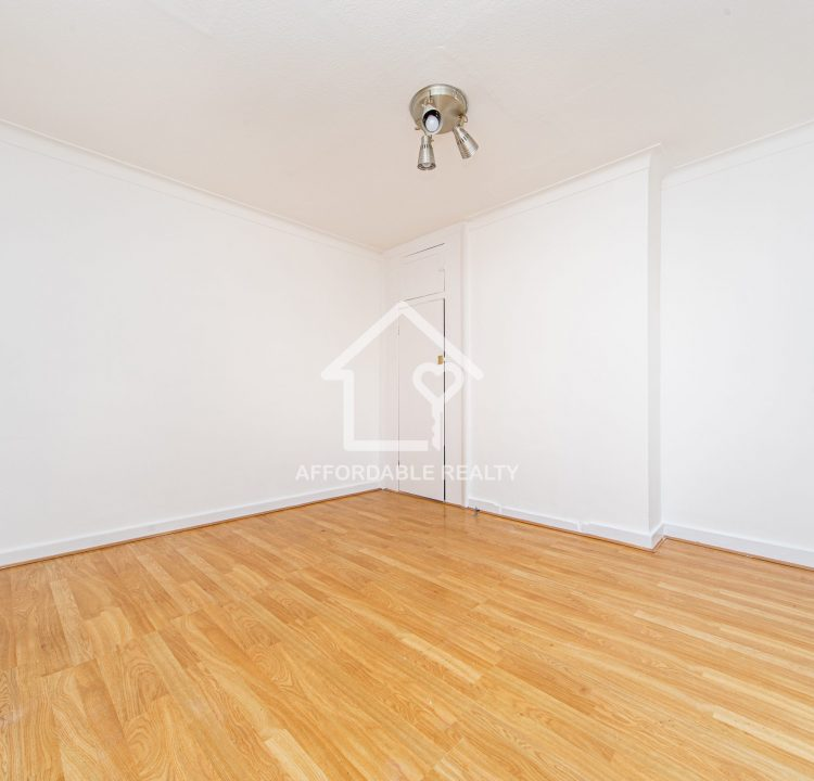 4 - Living Room (1)