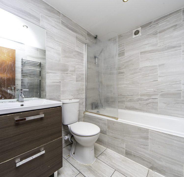 5 - Bathroom (1)