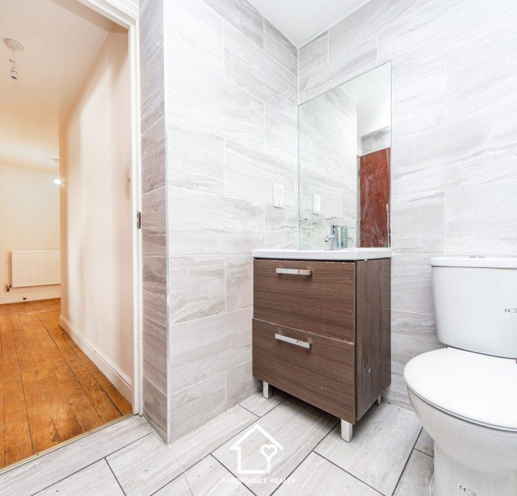 5 - Bathroom (2)