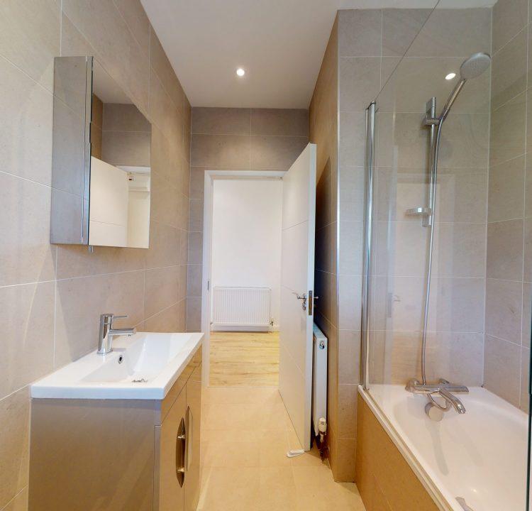 5-Risborough-Close-BATHROOM-2