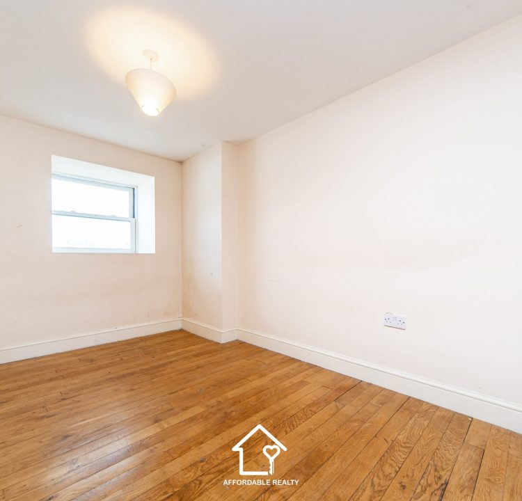 6 - Bedroom B (2)