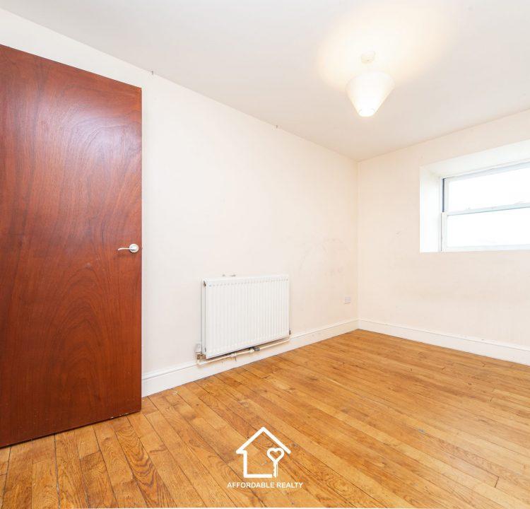 6 - Bedroom B (3)