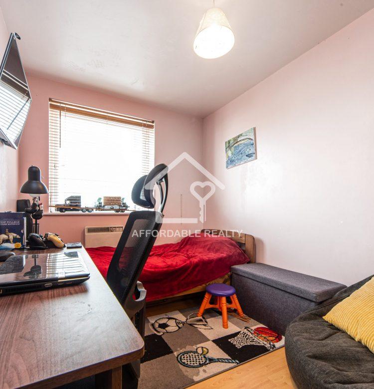 8-Smaller Bedroom