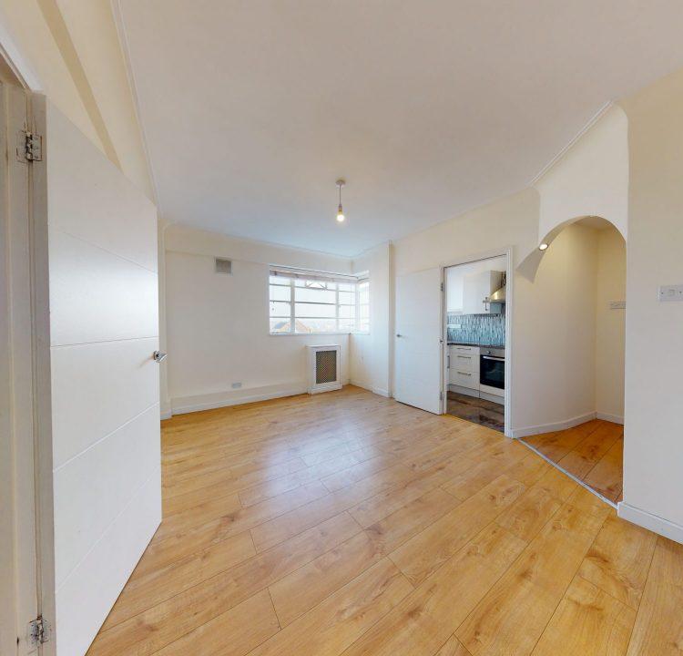 89-Westbury-Court-LIVING-ROOM-1