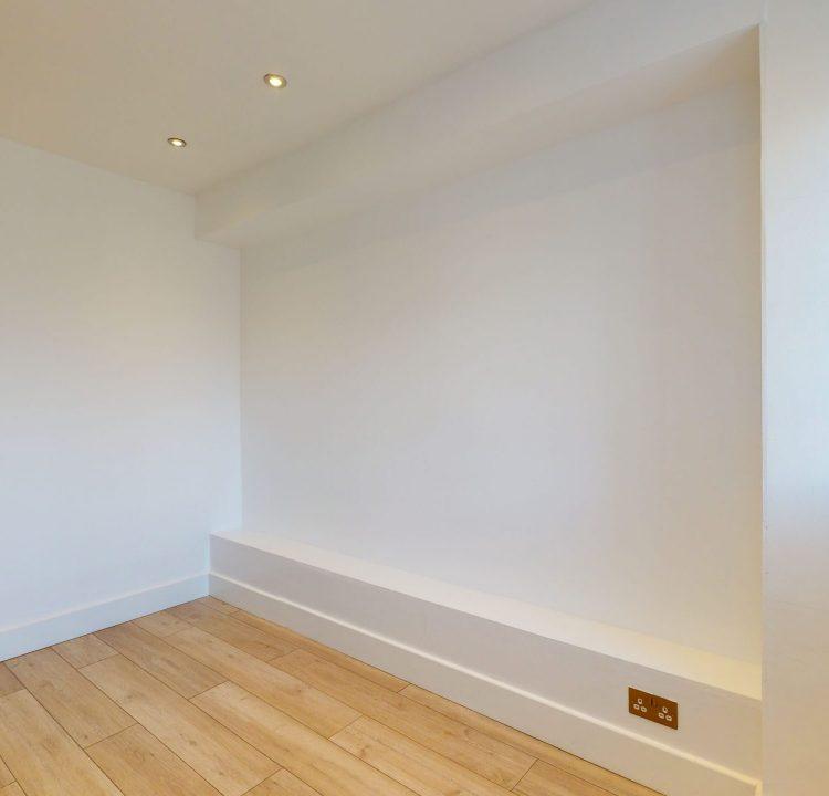 Flat-35-Westbury-Court-Nightingale-Lane-Ballam-SW4-9AA-BEDROOM