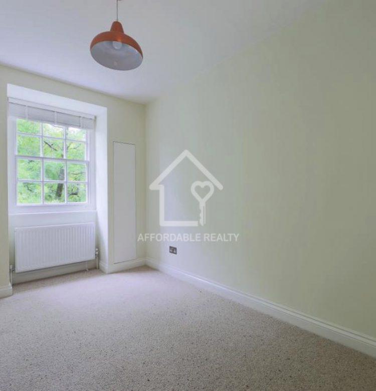 flat 21 henley house N12 9UE-4